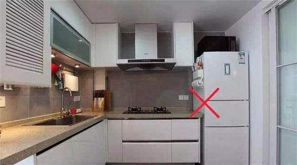 Tủ lạnh là tủ tiền, đừng đặt ở 5 chỗ này kẻo lụi hết tài lộc, nghèo mạt kiếp
