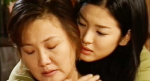 Con dâu bật khóc khi biết lý do đêm nào mẹ chồng cũng nằng nặc đòi được ngủ cùng mình