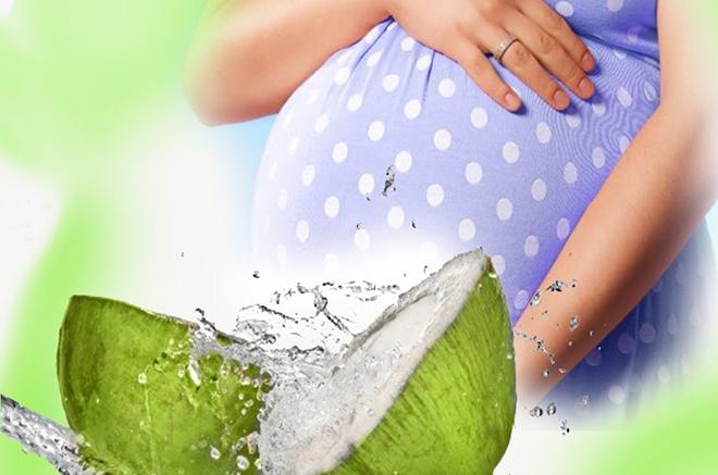 Bầu chăm uống nước dừa vào thời điểm này, ối sạch trong sinh con hồng hào trắng trẻo