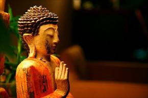 """Phật Dạy: """"Những Thứ Vào Miệng Không Độc, Những Thứ Từ Miệng Tuôn Ra Mới Độc"""""""