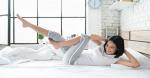 Bài tập trên giường 5 phút cho nàng lười giúp đánh tan mỡ bụng, eo nhỏ lại 5cm tức thì