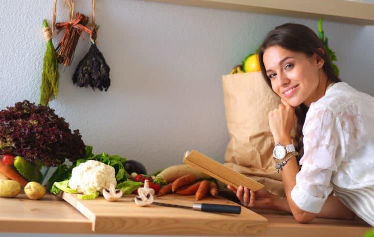 Bí Kíp Nấu Canh Chua Ngon Hết Sảy, Thử Tài Với 13 Cách Biến Tấu Này Nhé!
