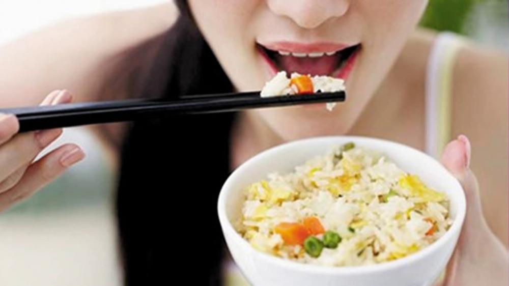 Đau dạ dày mà cứ duy trì thói quen ăn uống kiểu này thì chỉ khiến bệnh thêm nặng, thậm chí dẫn đến ung thư