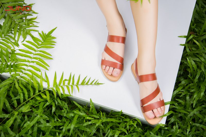 4 Mẹo đơn giản giúp móng chân trắng đẹp hết ố vàng ngay tức khắc