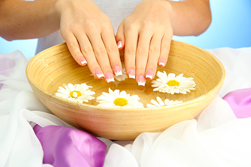 """4 Công thức """"VÀNG"""" giúp làm sáng và mềm da tay trong 1 phút vào mùa đông"""