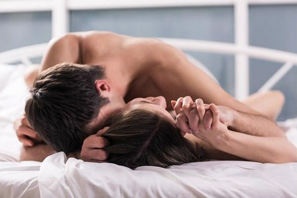 """Tuyệt chiêu giúp chàng kéo """"cuộc yêu"""" để tình cảm vợ chồng luôn được thăng hoa"""