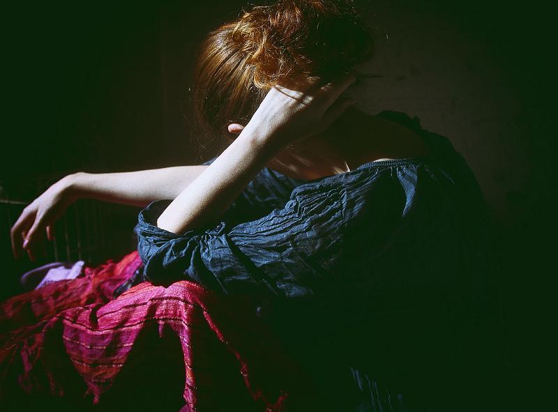 Gửi đàn bà! Đừng có mãi bám vào chồng, bình yên của mình đừng bao giờ để người khác nắm giữ…
