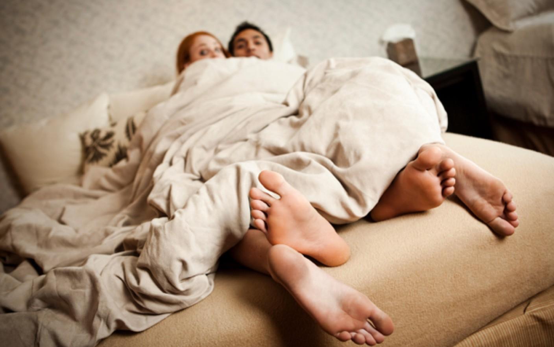 Vợ mới sinh con được 3 tháng thì bàng hoàng phát hiện em ruột ngủ với chồng