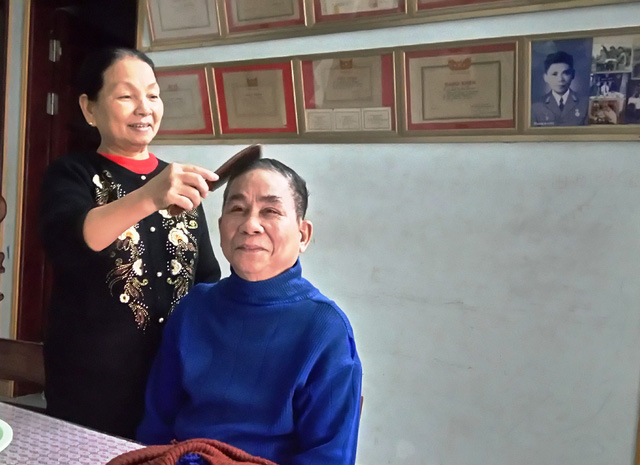 Chuyện tình đẹp của cô gái Hà Nội bỏ Thủ đô theo anh thương binh mù