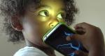 Đọc xong bài này, bố mẹ còn muốn cho con dùng điện thoại sớm nữa không?