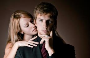 Phụ nữ chết mê chết mệt đàn ông có vợ là do đâu?