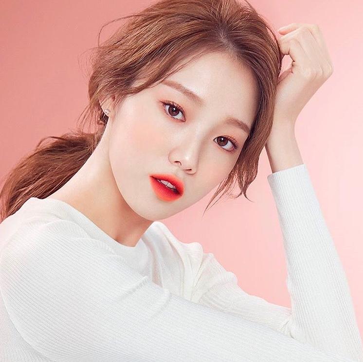 5 Xu hướng trang điểm Hàn Quốc giúp phái đẹp trở nên rạng rỡ và xinh đẹp trong dịp Tết Kỷ hợi