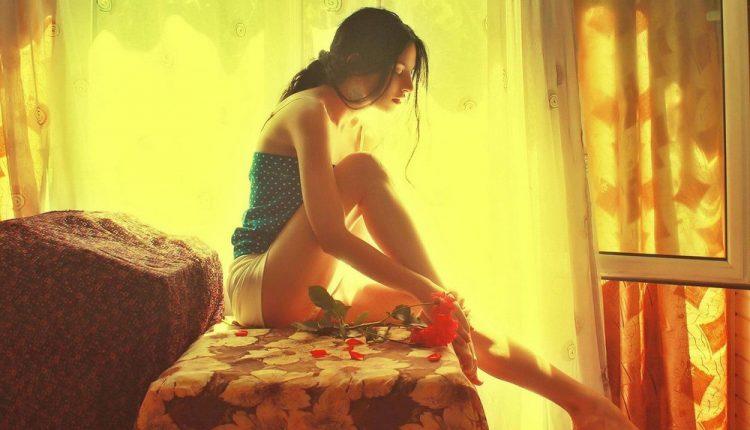 Đàn bà khôn ngoan là sẵn sàng tiễn người chồng tệ bạc ra đi chứ không chọn tha thứ