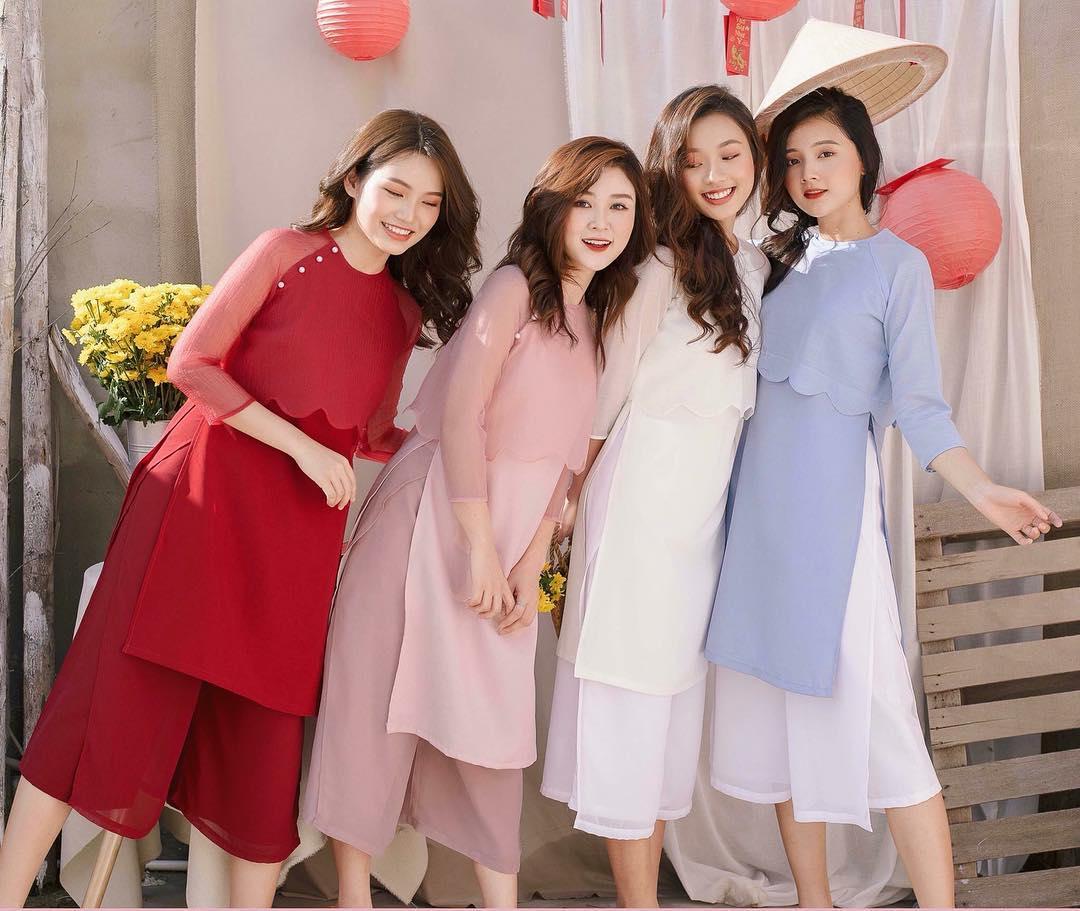 Các kiểu áo dài 'thống trị' đường phố và tạo nên xu hướng thời trang trong dịp Tết Kỷ Hợi 2019