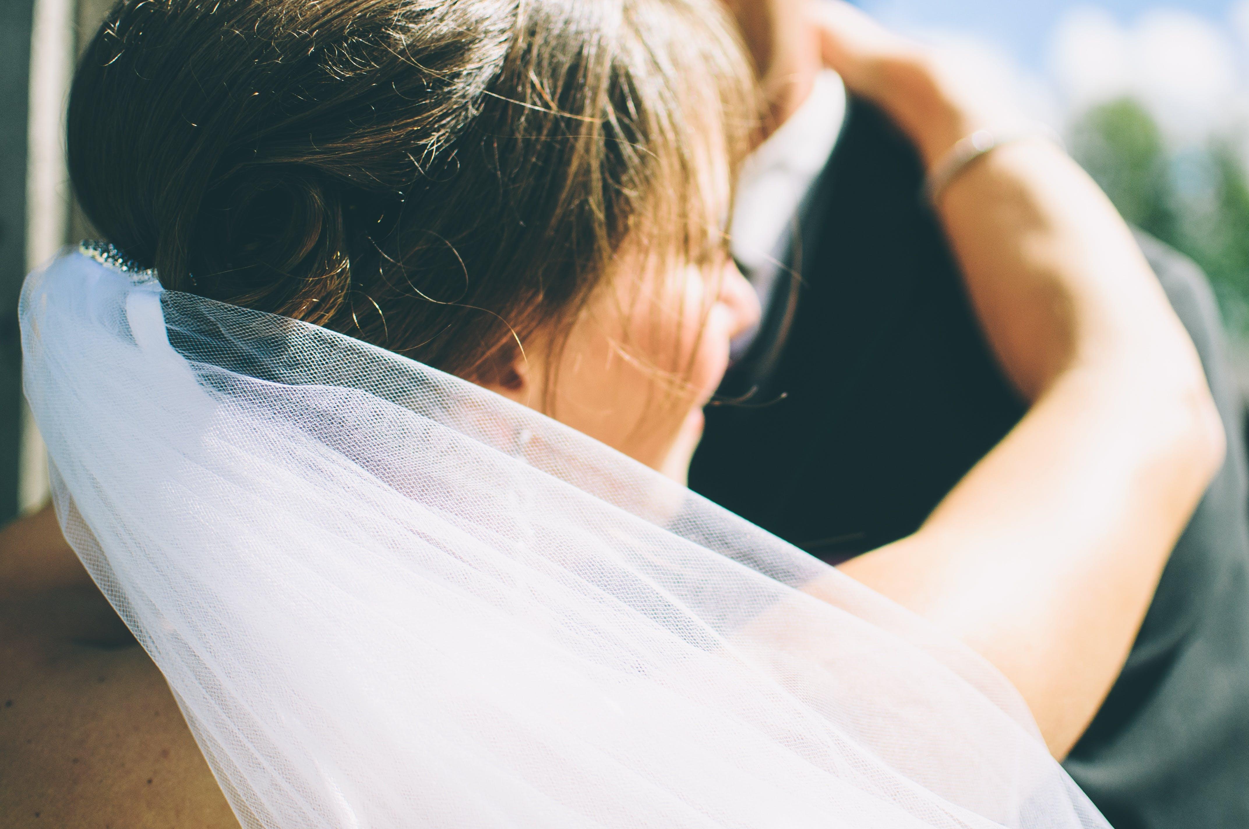 Phụ nữ cần nhớ, đừng kết hôn chỉ vì gia đình hay tuổi tác, hãy chỉ kết hôn khi trái tim thấy cần