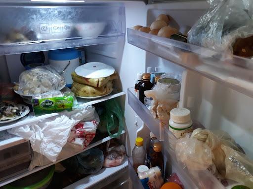 Bạn có biết đựng thực phẩm vào túi ni lông rồi nhét tủ lạnh là đang tự đầu độc gia đình mình?