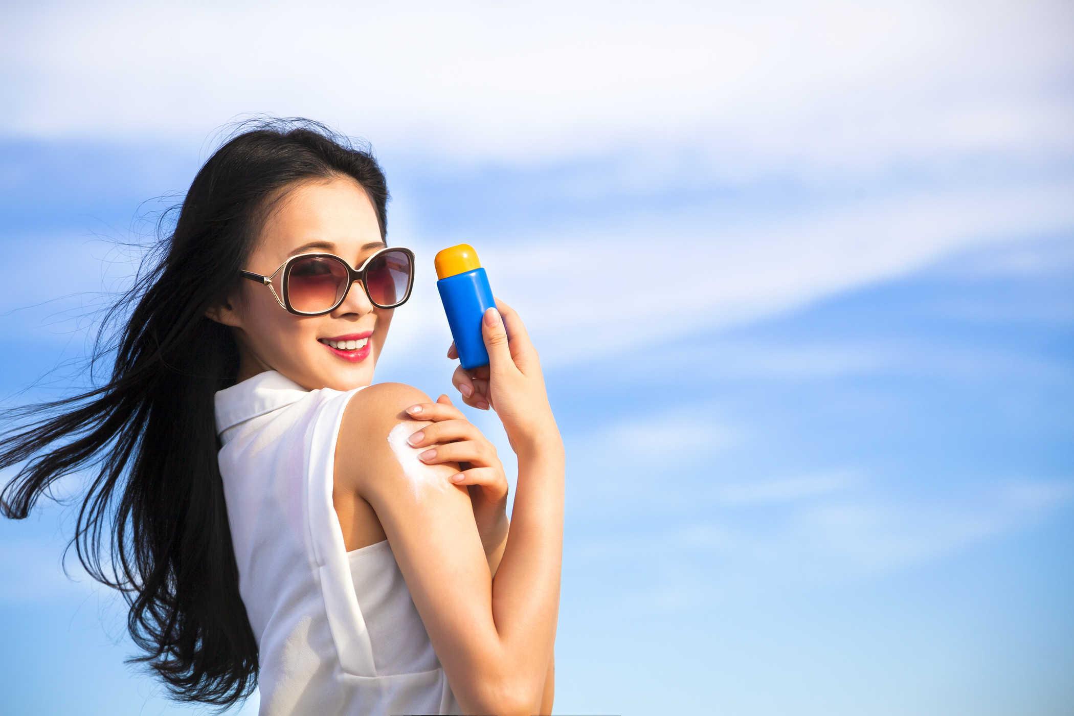 Chu trình dưỡng da trị mụn 10 BƯỚC của gái Hàn – Chỉ sau 1 TUẦN da trắng sáng, láng mịn!