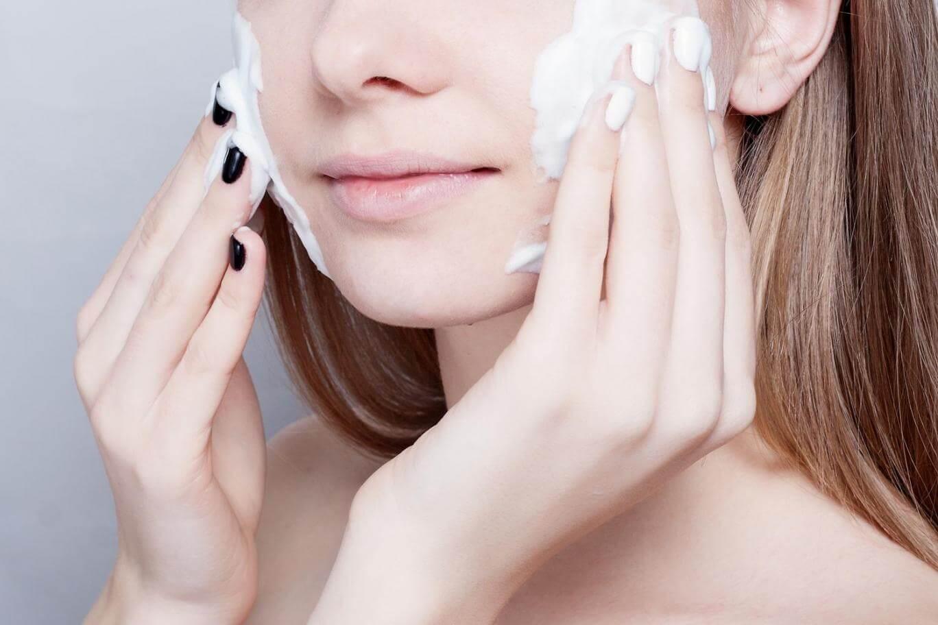 4 Sai lầm chăm sóc da khiến làn da của bạn nhanh chóng lão hóa, già nua