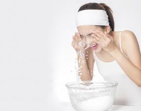 5 bài thuốc cơ bản giúp da sạch mụn mà bạn nên áp dụng mỗi ngày