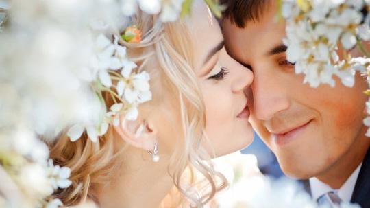 """3 điều cực nhỏ nhưng """"ăn đứt"""" các bí thuật phòng the để tình cảm vợ chồng vẫn rực lửa như ngày mới yêu"""