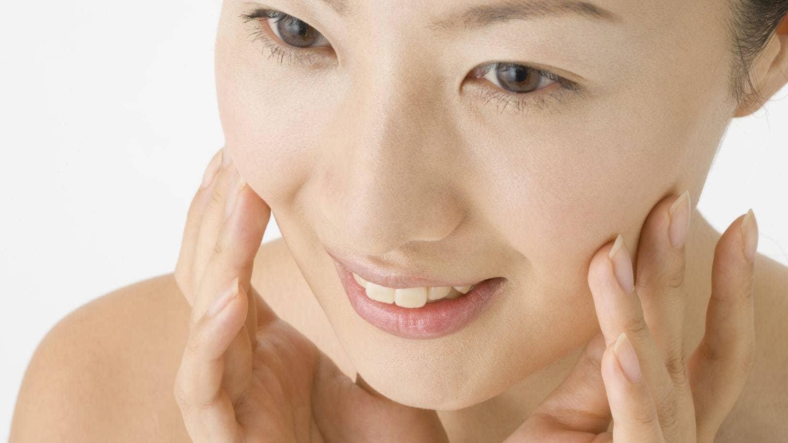 Da bạn thuộc tips da khô hay da mất nước? Bài viết này sẽ chỉ ra những thắc mắc giúp bạn.