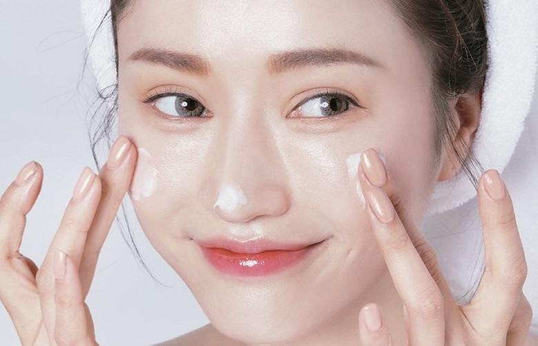 Skincare: Các bước không thể thiếu cho da dầu mụn