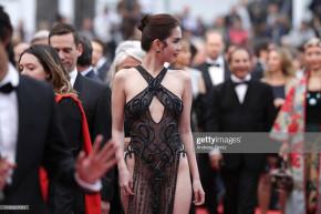 """Tin Cannes: Ngọc Trinh diện váy """"Nhân Trần"""" mặc như không mặc đánh bại toàn bộ mỹ nhân làm lố C-biz và hàng loạt ảnh chế cười té ghế ra đời"""