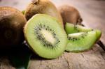 7 cách chống lão hóa, trắng da từ kiwi