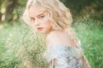Ngắm nhìn những bộ váy như bước ra từ cổ tích của nàng công chúa Elle Fanning bộ phim Tiên Hắc Ám