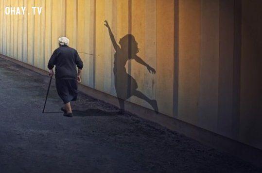 """Những dấu hiệu cho thấy bạn đã qua ngưỡng tuổi trẻ trung, bước vào thời kì """"già nua"""" rồi đấy"""