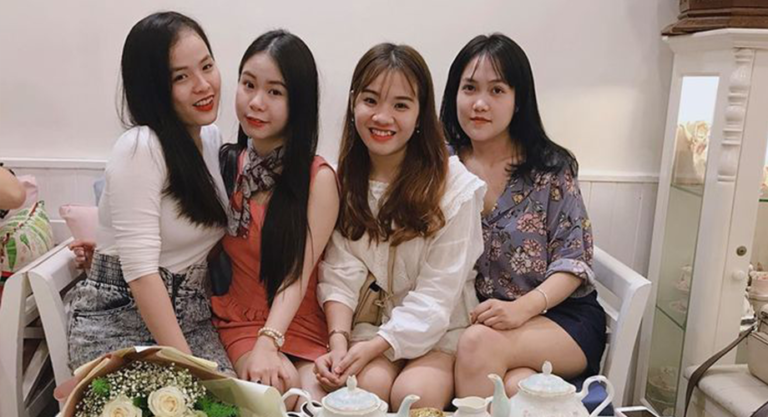 Khoa học chứng minh: Tụ tập với bạn bè 2 lần/tuần phụ nữ trẻ, đẹp, hạnh phúc hơn