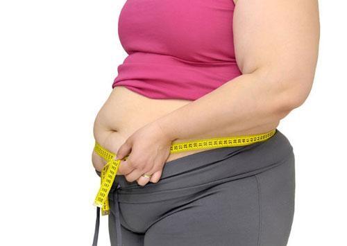 Không chỉ ăn nhiều mới béo: Khoa học chỉ rõ bật tivi hoặc đèn khi ngủ, phụ nữ dễ bị tăng cân béo phì
