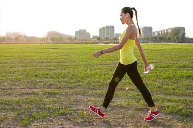 Chuyên gia khẳng định đi bộ là bài tập tốt nhất cho cả sức khỏe và tâm trí: Chỉ nửa giờ mỗi ngày, cuộc sống có thể hoàn toàn thay đổi