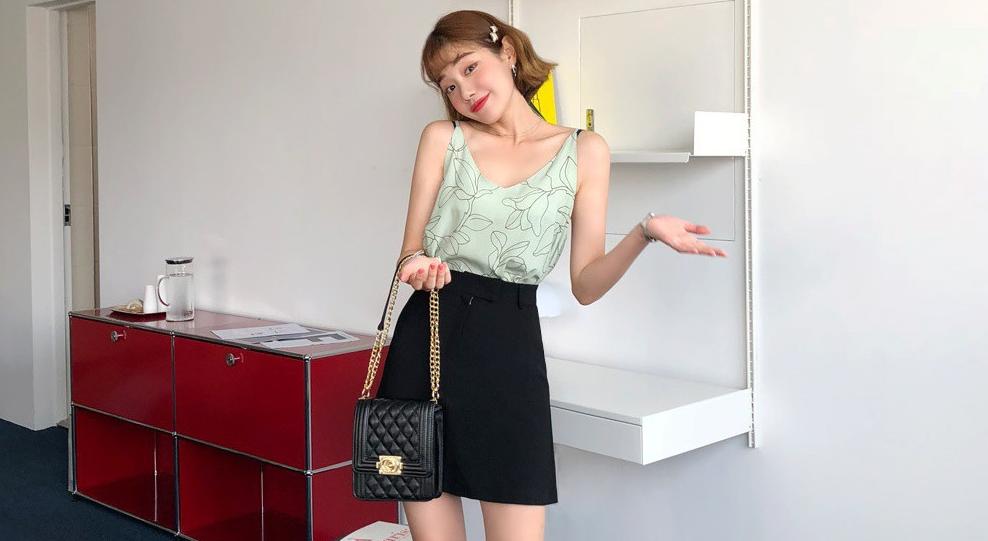 4 kiểu chân váy giúp bạn kéo chân dài miên man