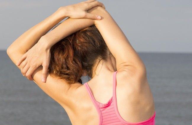 Các bài tập giãn cơ tại chỗ hạn chế đau nhức cột sống cho dân Văn Phòng