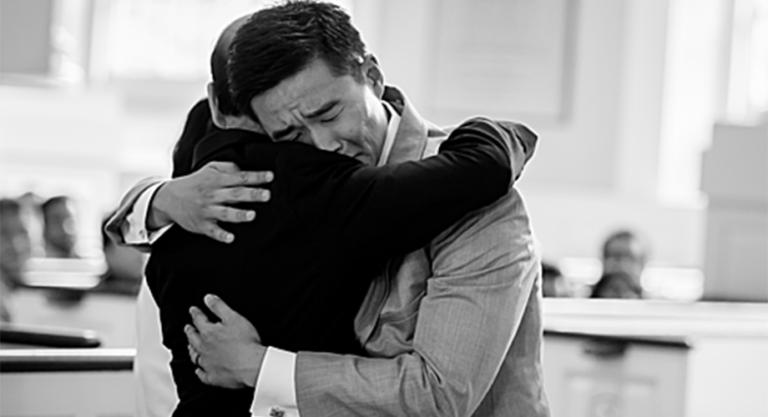 Ông bố giám đốc nhắn con trai trước ngày cưới: 'Vợ không phải là người thân'