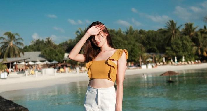Mùa du lịch thì nên mặc gì đi chơi, những gợi ý phối đồ cực trendy cho chị em mình!