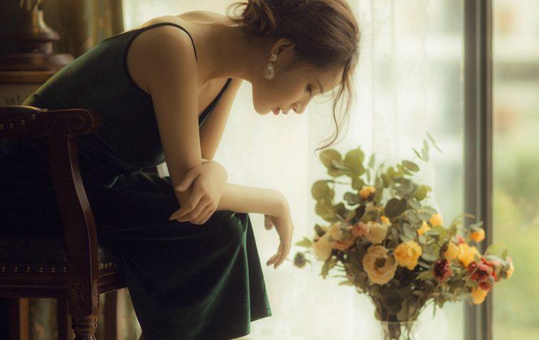 Vì sao cứ bắt phụ nữ phải lấy chồng, sinh con, cam chịu mọi ấm ức để thuận lẽ đời?