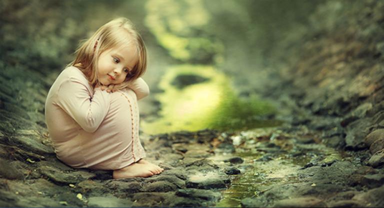 Nuối tiếc quá khứ, lo lắng cho tương lai, bạn sẽ đánh mất niềm vui ở hiện tại