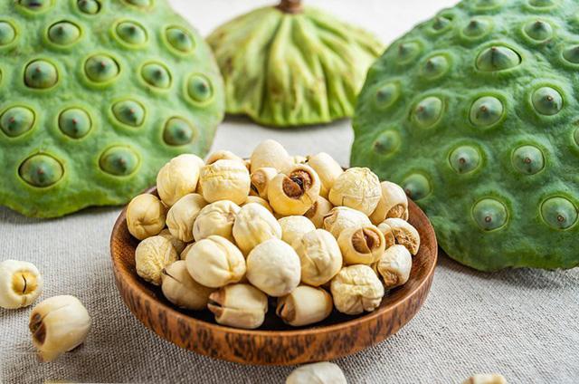 7 lợi ích cho sức khỏe bà bầu khi ăn hạt sen trong thai kỳ