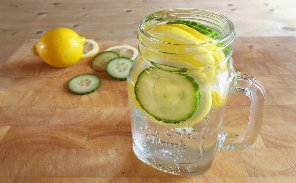 Không khí ô nhiễm, hãy uống ngay loại nước này để thanh lọc cơ thể, loại bỏ độc tố