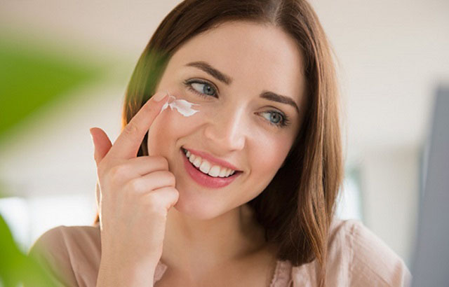 Điểm danh 4 loại kem trị mụn cho da nhạy cảm