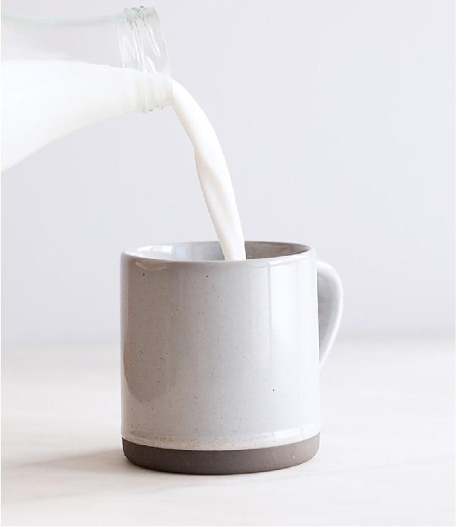Mách nàng mẹo làm đẹp từ sữa dê