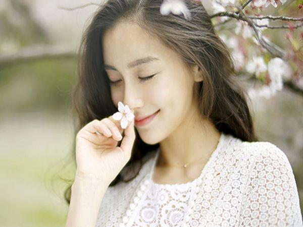 Cuộc sống sẽ không vì bạn là phụ nữ mà dễ dàng, vui cười niềm nở