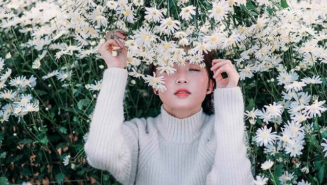 Là con gái… hãy sống rực rỡ như một đóa hoa