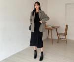 4 mẫu áo khoác kết hợp ăn ý với váy không phải nàng nào cũng biết