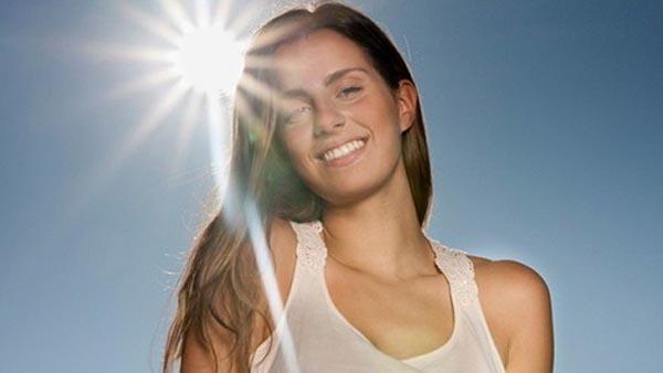 Top 4 xịt chống nắng an toàn và hiệu quả cho mọi làn da