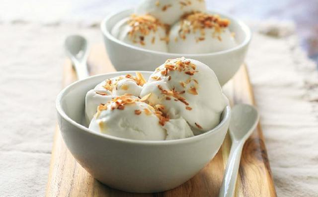 Cách làm kem dừa thơm ngon, mát lạnh tại nhà