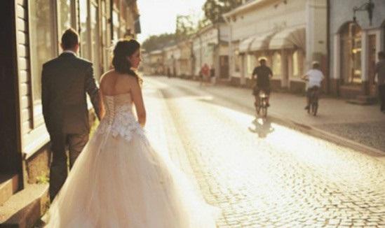 Con gái khôn đừng dại lấy chồng xa, chồng có tốt đến đâu cũng không bằng gần bố mẹ