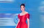 Siêu mẫu Thanh Hằng diện đầm đỏ rực như đóa hồng, khoe vai trần quyến rũ tại sự kiện
